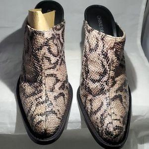 Chinese Laundry High heel Mules boot